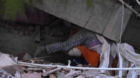 Spēcīgā zemestrīcē Turcijas rietumos un Grieķijā gājuši ...