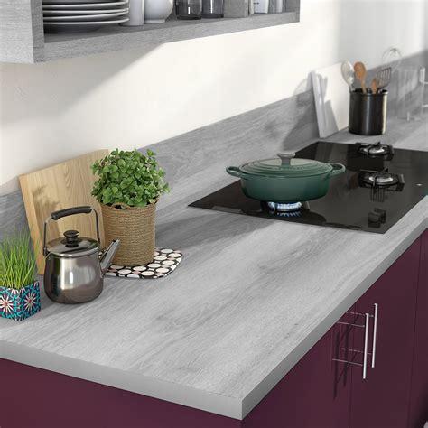 cuisine effet bois cuisine plan travail bois cuisine avec ilot gris