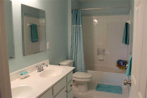 Beautiful Colors For Bathroom Walls by Beautiful Paint Color For Small Bathroom Using Blue Wall
