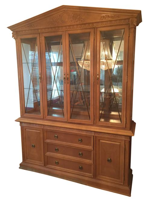 Thomasville Formal Dining Room Oak China Cabinet Chairish