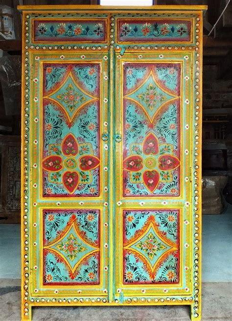 canapé style indien 1000 idées sur le thème mobilier indien sur