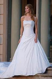 Casual white wedding dresses sang maestro for White casual wedding dress