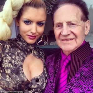 Gabi Grecko posts make-up free selfie as she poses topless ...