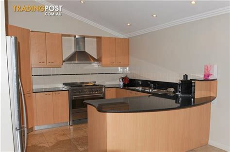 Second Hand Kitchen (appliances Included) For Sale In