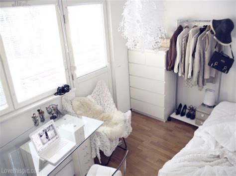 small bedroom design tumblr pretty bedroom ideas for small rooms small white bedroom 17135