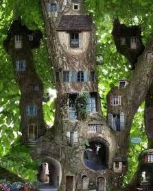 Spectacular Easy To Build Houses by 35 Beautiful Tree House Ideas Bored