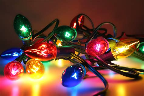 safe christmas lights stay safe this season with these lighting safety tips mister quik home services