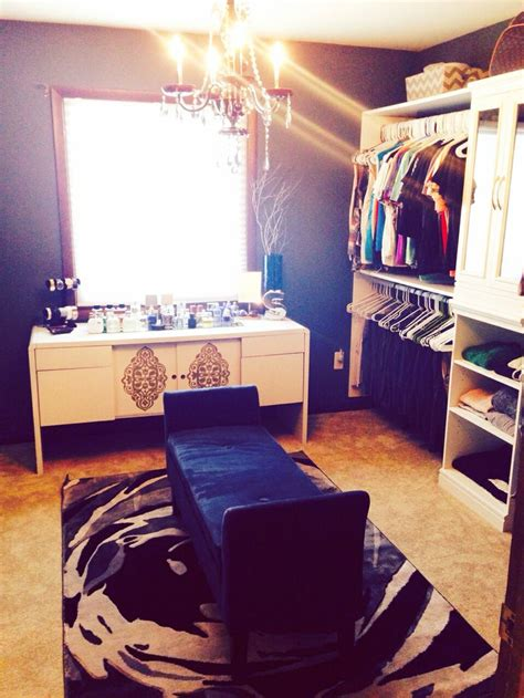 spare bedroom made into walk in closet diy