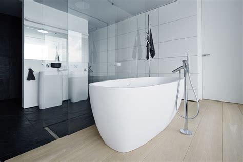 Simple Black And White Bathroom