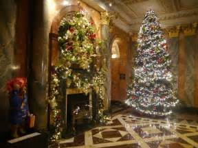 mandarin oriental hyde park london celebrates christmas 2015 with harrods pursuitist