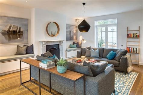 A Comfortable Modern Home With Colorful Accents : English Home Interior Design With Colorful Accents