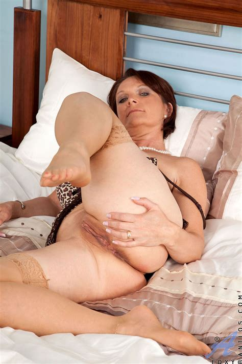 freshest mature women on the net featuring anilos foxy horny mature