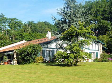 chambres d hotes cote basque chambres d 39 hôtes maison elgartea chambres d 39 hôtes sare