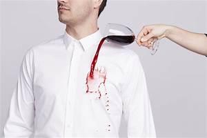 Enlever Tache De Vin Rouge : tache chemise comment enlever les taches sur votre chemise ~ Melissatoandfro.com Idées de Décoration
