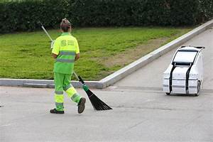 Ferrovial Services Presents The A1a3 Robot  An Innovative Trolley For Street Cleaners Ferrovial