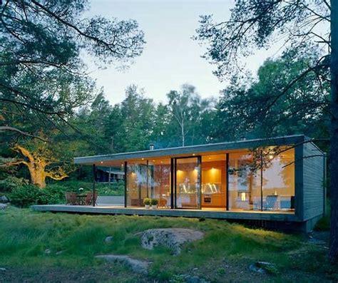 Moderne Häuser Aus Holz by Elegantes Inselhaus Aus Glas Und Holz Moderne H 228 User In