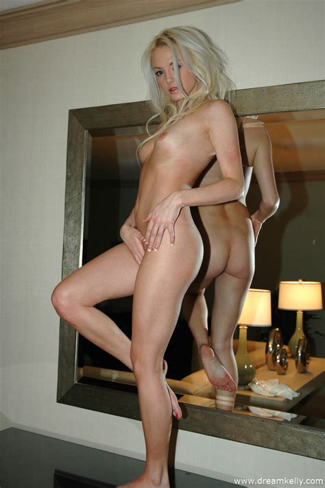 Naked Blonde Shows Every Inch Of Her Perfect Body And It
