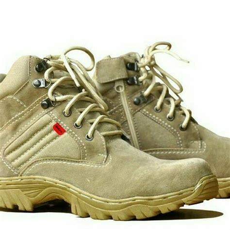 jual beli sepatu kickers safety delta baru sepatu boots