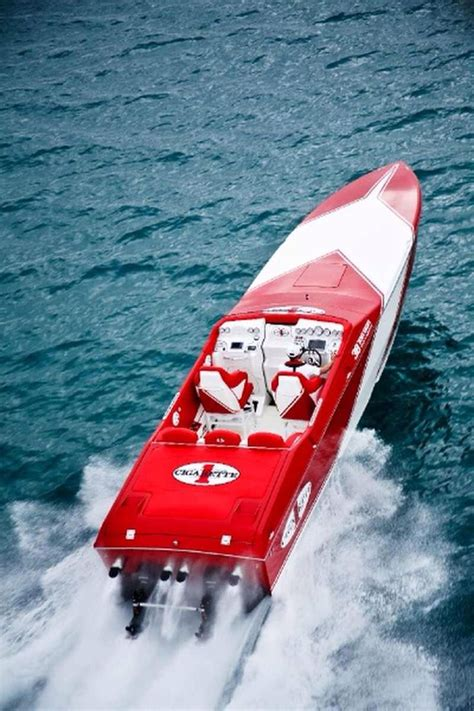Cigarette Boat Offshore by Best 25 Fast Boats Ideas On Power Boats