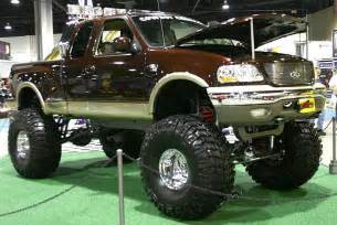 Ford F-150 4x4 Lifted Trucks