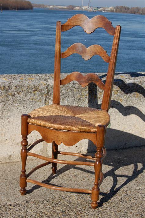 chaise paillée chaise provençale en noyer de 38 757