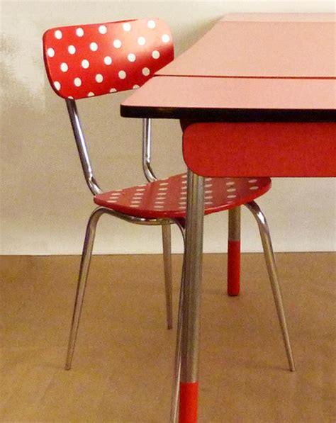 relooker une chaise en formica customiser chaise formica relooker des meubles de cuisine