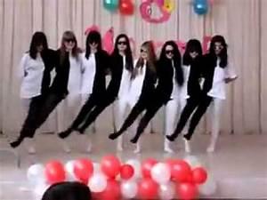 Amazingly creative group dance performance
