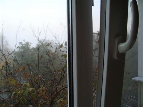 Почему потеют пластиковые окна изнутри в квартире зимой и что делать?— 13 answers