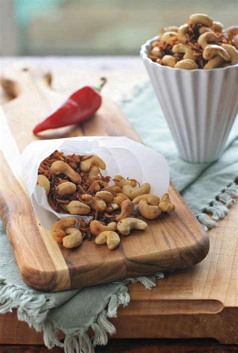 Many Cooks Tracking Labor Market Dynamics In Food Spicy Cashew And Coconut Snack Mix Cooks