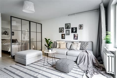 chambre avec coin salon séparer le coin chambre dans un studio avec une verrière