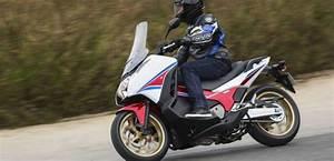 Moto Honda Automatique : honda veut forger le chainon manquant entre moto et scooter ~ Medecine-chirurgie-esthetiques.com Avis de Voitures