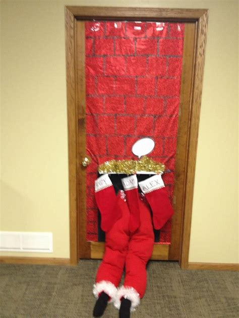 images  christmas door decorating contest