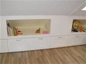 Box Unterm Bett : idee f r spitzboden links und rechts neben dem bett inneneinrichtung pinterest ~ Whattoseeinmadrid.com Haus und Dekorationen