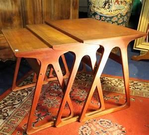Table Gigogne Scandinave : table gigogne design danois ann es 50 puces d 39 oc brocante en ligne ~ Teatrodelosmanantiales.com Idées de Décoration
