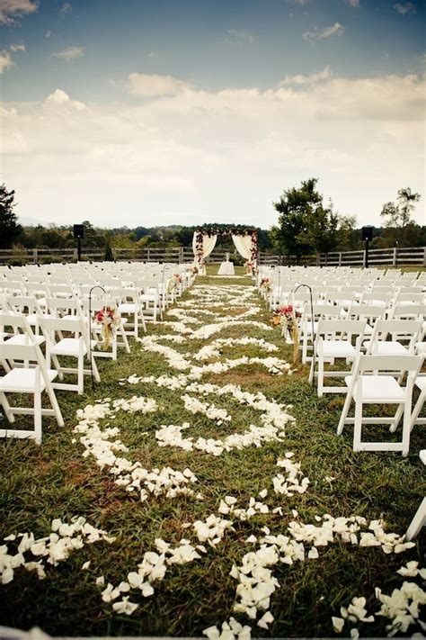 Contemporary Farmhouse Wedding in Georgia Aisle runner