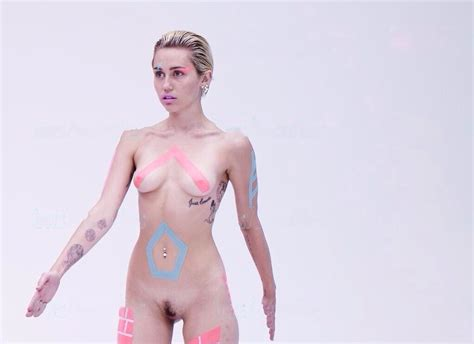 miley naked picture jpg 1024x744