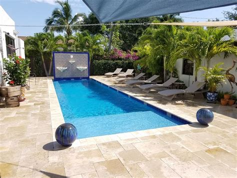 Desirable 1br Villa W/salt Pool, Walk To Av...