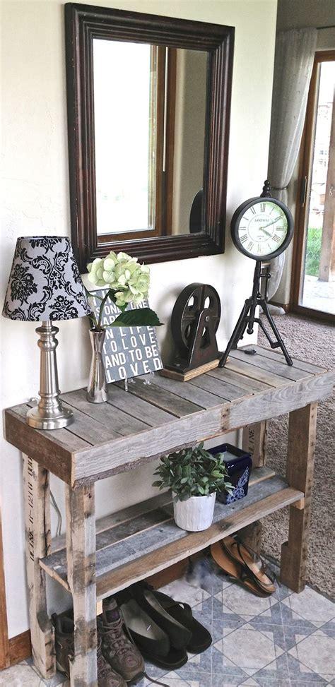 pallet wood foyer table love   beachy