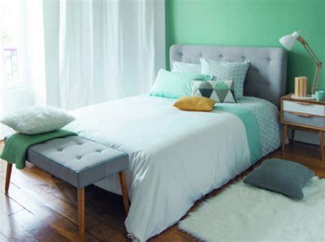 décoration chambre mur vert exemples d 39 aménagements
