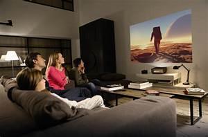 Projecteur Cinema Maison : un grand cran de cin ma dans votre petit salon darty vous ~ Melissatoandfro.com Idées de Décoration