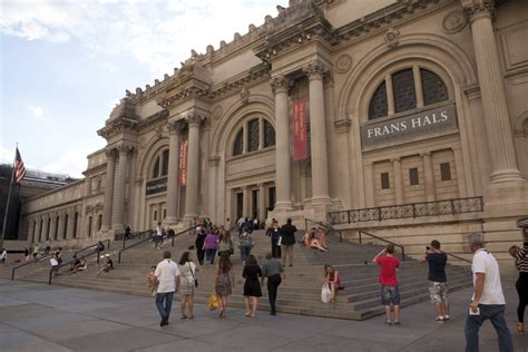 the metropolitan museum of the official guide to new york city