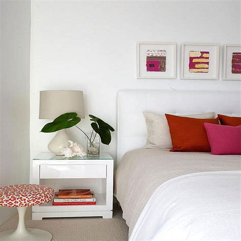 White Bedroom Wall Decorating Ideas