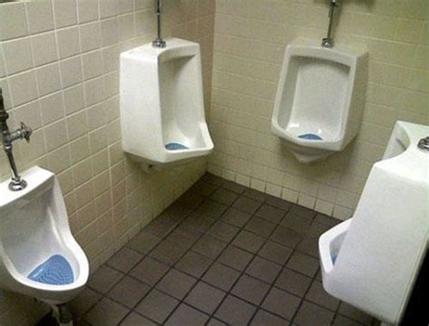 10 Hilarious Restroom Fails That Are Too Funny To Be Ignored