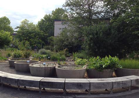Botanischer Garten Leipzig  Vom Duften, Tasten Und Blauen