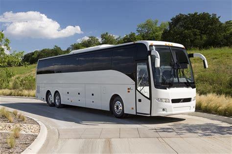 prevost unveils volvo   canadian market motorcoach