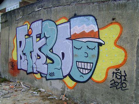 Abjad Graffiti Throw Up : Compilado De Mis Graffitis