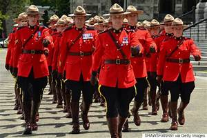 Mounties To Start Wearing Tuques Instead Of Trademark Hats