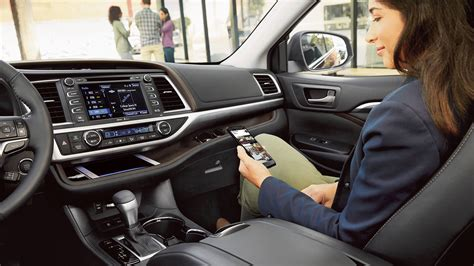 toyota highlander interior pictures features space