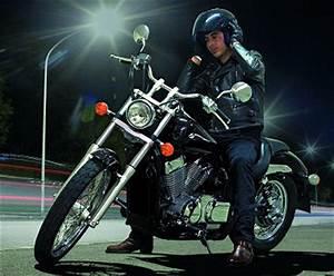 Honda Shadow 750 Fiche Technique : honda vt 750 dc shadow spirit 2008 fiche moto motoplanete ~ Medecine-chirurgie-esthetiques.com Avis de Voitures