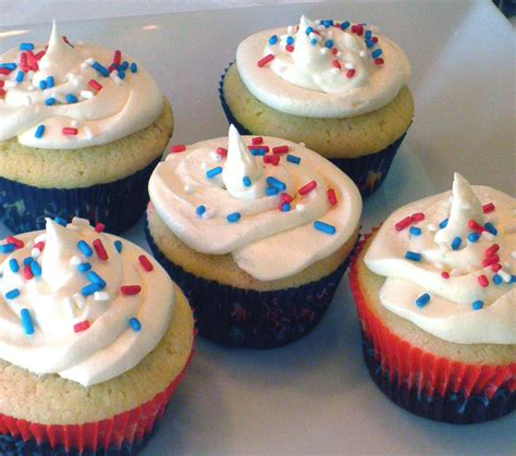 4th of july cupcake everything beautiful in its time fourth of july cupcakes